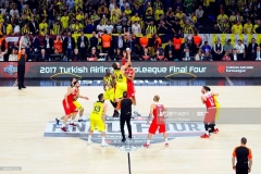 ISTANBUL, TURKEY - MAY 21:  The tip off during the Championship Game 2017 Turkish Airlines EuroLeague Final Four between Fenerbahce Istanbul v Olympiacos Piraeus at Sinan Erdem Dome on May 21, 2017 in Istanbul, Turkey.  (Photo by Francesco Richieri/Euroleague Basketball via Getty Images)