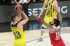 ISTANBUL, TURKEY - MAY 21: Bogdan Bogdanovic, #13 of Fenerbahce Istanbul competes with Georgios Printezis, #15 of Olympiacos Piraeus during the Championship Game 2017 Turkish Airlines EuroLeague Final Four between Fenerbahce Istanbul v Olympiacos Piraeus at Sinan Erdem Dome on May 21, 2017 in Istanbul, Turkey.  (Photo by Tolga Adanali/Euroleague Basketball via Getty Images)