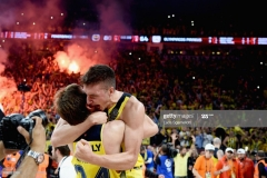 ISTANBUL, TURKEY - MAY 21: Bogdan Bogdanovic, #13 of Fenerbahce Istanbul celebrates with Jan Vesely, #24 of Fenerbahce Istanbuland at the end of Championship Game 2017 Turkish Airlines EuroLeague Final Four between Fenerbahce Istanbul v Olympiacos Piraeus at Sinan Erdem Dome on May 21, 2017 in Istanbul, Turkey.  (Photo by Luca Sgamellotti/Euroleague Basketball via Getty Images)