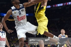 Real Madrid Trey Thompkins (R) vies with Fenerbahce Jan Vesely during the semi-final basketball match between Fenerbahce Ulker vs Real Madrid at the Euroleague Final Four basketball matches at Sinan Erdem sport Arena on May 19, 2017 in Istanbul.  / AFP PHOTO / OZAN KOSE        (Photo credit should read OZAN KOSE/AFP via Getty Images)
