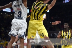 Fenerbahce Nikola Kalinic (R) vies with Real Madrid Anthony Randolph (L) during the semi-final basketball match between Fenerbahce Ulker vs Real Madrid at the Euroleague Final Four basketball matches at Sinan Erdem sport Arena on May 19, 2017 in Istanbul.  / AFP PHOTO / OZAN KOSE        (Photo credit should read OZAN KOSE/AFP via Getty Images)