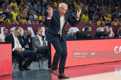 ISTANBUL, TURKEY - MAY 19:  Zeljko Obradovic, Head Coach of Fenerbahce Istanbul in action during the Turkish Airlines EuroLeague Final Four Semifinal A game between Fenerbahce Istanbul v Real  Madrid at Sinan Erdem Dome on May 19, 2017 in Istanbul, Turkey.  (Photo by Rodolfo Molina/Euroleague Basketball via Getty Images)