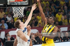 ISTANBUL, TURKEY - MAY 19:  Ekpe Udoh, #8 of Fenerbahce Istanbul in action during the Turkish Airlines EuroLeague Final Four Semifinal A game between Fenerbahce Istanbul v Real  Madrid at Sinan Erdem Dome on May 19, 2017 in Istanbul, Turkey.  (Photo by Rodolfo Molina/Euroleague Basketball via Getty Images)