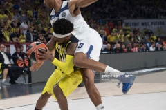 ISTANBUL, TURKEY - MAY 19:  Bobby Dixon, #35 of Fenerbahce Istanbul competes with Anthony Randolph, #3 of Real Madrid during the Turkish Airlines EuroLeague Final Four Semifinal A game between Fenerbahce Istanbul v Real  Madrid at Sinan Erdem Dome on May 19, 2017 in Istanbul, Turkey.  (Photo by Rodolfo Molina/Euroleague Basketball via Getty Images)