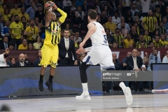 ISTANBUL, TURKEY - MAY 19:  Bobby Dixon, #35 of Fenerbahce Istanbul in action during the Turkish Airlines EuroLeague Final Four Semifinal A game between Fenerbahce Istanbul v Real  Madrid at Sinan Erdem Dome on May 19, 2017 in Istanbul, Turkey.  (Photo by Rodolfo Molina/Euroleague Basketball via Getty Images)