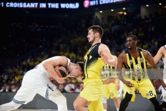 ISTANBUL, TURKEY - MAY 19: Luka Doncic, #7 of Real Madrid in action during the Turkish Airlines EuroLeague Final Four Semifinal A game between Fenerbahce Istanbul v Real  Madrid at Sinan Erdem Dome on May 19, 2017 in Istanbul, Turkey.  (Photo by Luca Sgamellotti/Euroleague Basketball via Getty Images)