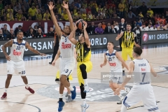 ISTANBUL, TURKEY - MAY 19:  Kostas Sloukas, #16 of Fenerbahce Istanbul in action during the Turkish Airlines EuroLeague Final Four Semifinal A game between Fenerbahce Istanbul v Real  Madrid at Sinan Erdem Dome on May 19, 2017 in Istanbul, Turkey.  (Photo by Rodolfo Molina/Euroleague Basketball via Getty Images)