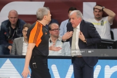 ISTANBUL, TURKEY - MAY 19: Zeljko Obradovic, Head Coach of Fenerbahce Istanbul and refree Luigi Lamonica in action during the Turkish Airlines EuroLeague Final Four Semifinal A game between Fenerbahce Istanbul v Real  Madrid at Sinan Erdem Dome on May 19, 2017 in Istanbul, Turkey.  (Photo by Tolga Adanali/Euroleague Basketball via Getty Images)