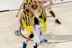 ISTANBUL, TURKEY - MAY 19: Rudy Fernandez, #5 of Real Madrid competes with Luigi Datome, #70 of Fenerbahce Istanbul and Bogdan Bogdanovic, #13 of Fenerbahce Istanbul  in action during the Turkish Airlines EuroLeague Final Four Semifinal A game between Fenerbahce Istanbul v Real  Madrid at Sinan Erdem Dome on May 19, 2017 in Istanbul, Turkey.  (Photo by Edu Candel/Euroleague Basketball via Getty Images)