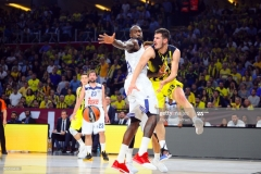 ISTANBUL, TURKEY - MAY 19:  Nikola Kalinic,Ê#33 of Fenerbahce Istanbul in action during the Turkish Airlines EuroLeague Final Four Semifinal A game between Fenerbahce Istanbul v Real  Madrid at Sinan Erdem Dome on May 19, 2017 in Istanbul, Turkey.  (Photo by Francesco Richieri/Euroleague Basketball via Getty Images)