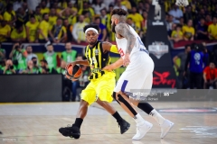 ISTANBUL, TURKEY - MAY 19:  Bobby Dixon, #35 of Fenerbahce Istanbul in action during the Turkish Airlines EuroLeague Final Four Semifinal A game between Fenerbahce Istanbul v Real  Madrid at Sinan Erdem Dome on May 19, 2017 in Istanbul, Turkey.  (Photo by Francesco Richieri/Euroleague Basketball via Getty Images)