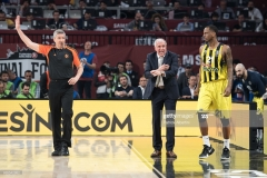 ISTANBUL, TURKEY - MAY 19:  Zeljko Obradovic, Head Coach of Fenerbahce Istanbul during the Turkish Airlines EuroLeague Final Four Semifinal A game between Fenerbahce Istanbul v Real  Madrid at Sinan Erdem Dome on May 19, 2017 in Istanbul, Turkey.  (Photo by Patrick Albertini/Euroleague Basketball via Getty Images)