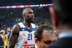 ISTANBUL, TURKEY - MAY 19:  Othello Hunter, #21 of Real Madrid at the end of the Turkish Airlines EuroLeague Final Four Semifinal A game between Fenerbahce Istanbul v Real  Madrid at Sinan Erdem Dome on May 19, 2017 in Istanbul, Turkey.  (Photo by Patrick Albertini/Euroleague Basketball via Getty Images)