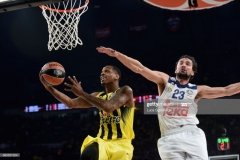ISTANBUL, TURKEY - MAY 19: James Nunnally, #21 of Fenerbahce Istanbul competes with Sergio Llull, #23 of Real Madrid in action during the Turkish Airlines EuroLeague Final Four Semifinal A game between Fenerbahce Istanbul v Real Madrid at Sinan Erdem Dome on May 19, 2017 in Istanbul, Turkey. (Photo by Luca Sgamellotti/Euroleague Basketball via Getty Images)