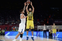 ISTANBUL, TURKEY - MAY 19: Luigi Datome, #70 of Fenerbahce Istanbul in action during the Turkish Airlines EuroLeague Final Four Semifinal A game between Fenerbahce Istanbul v Real  Madrid at Sinan Erdem Dome on May 19, 2017 in Istanbul, Turkey.  (Photo by Luca Sgamellotti/Euroleague Basketball via Getty Images)