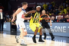 ISTANBUL, TURKEY - MAY 19: Bobby Dixon, #35 of Fenerbahce Istanbul in action during the Turkish Airlines EuroLeague Final Four Semifinal A game between Fenerbahce Istanbul v Real  Madrid at Sinan Erdem Dome on May 19, 2017 in Istanbul, Turkey.  (Photo by Luca Sgamellotti/Euroleague Basketball via Getty Images)