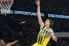 ISTANBUL, TURKEY - MAY 19:  Jan Vesely, #24 of Fenerbahce Istanbul in action during the Turkish Airlines EuroLeague Final Four Semifinal A game between Fenerbahce Istanbul v Real  Madrid at Sinan Erdem Dome on May 19, 2017 in Istanbul, Turkey.  (Photo by Rodolfo Molina/Euroleague Basketball via Getty Images)
