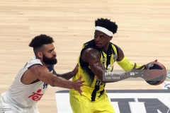 ISTANBUL, TURKEY - MAY 19: Bobby Dixon, #35 of Fenerbahce Istanbul competes with Jeffery Taylor, #44 of Real Madrid during the Turkish Airlines EuroLeague Final Four Semifinal A game between Fenerbahce Istanbul and Real  Madrid at Sinan Erdem Dome on May 19, 2017 in Istanbul, Turkey.  (Photo by Tolga Adanali/Euroleague Basketball via Getty Images)