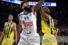 Real Madrid Jefferey Taylor (C) vies with Fenerbahce James Nunnally (R) and Jan Vesely (L) during the semi-final basketball match between Fenerbahce Ulker vs Real Madrid at the Euroleague Final Four at Sinan Erdem sport arena on May 19, 2017 in Istanbul.  / AFP PHOTO / OZAN KOSE        (Photo credit should read OZAN KOSE/AFP via Getty Images)