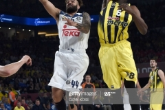 Real Madrid Jefferey Taylor (L) vies with Fenerbahce Ekpe Udoh during the semi-final basketball match between Fenerbahce Ulker vs Real Madrid at the Euroleague Final Four at Sinan Erdem sport arena on May 19, 2017 in Istanbul.  / AFP PHOTO / OZAN KOSE        (Photo credit should read OZAN KOSE/AFP via Getty Images)