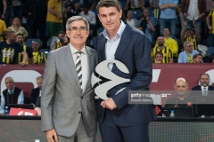 ISTANBUL, TURKEY - MAY 19:  Mirsad Turkcan, former basketball player receive from Jordi Bertomeu, President and CEO Euroleague Basketball the award of Legend of Basketball at the halftime of during the Turkish Airlines EuroLeague Final Four Semifinal A game between Fenerbahce Istanbul v Real  Madrid at Sinan Erdem Dome on May 19, 2017 in Istanbul, Turkey.  (Photo by Rodolfo Molina/Euroleague Basketball via Getty Images)