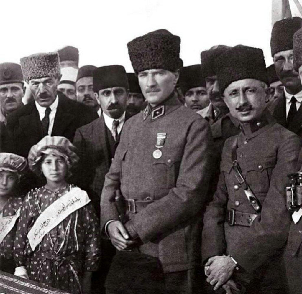Refet Paşa'nın Fenerbahçe Kulübü'nü Ziyareti